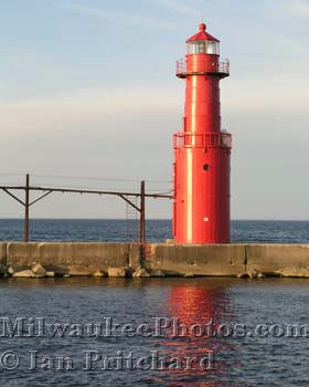 Photograph of Algoma Lighthouse from www.MilwaukeePhotos.com (C )Ian Pritchard