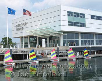 Photograph of Discovery World Boats from www.MilwaukeePhotos.com (C) Ian Pritchard