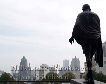 Photograph of Ghandi Looks Over City from www.MilwaukeePhotos.com (C) Ian Pritchard
