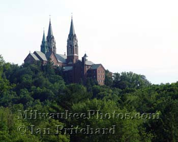 Photograph of Holy Hill Landscape from www.MilwaukeePhotos.com (C) Ian Pritchard