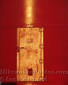 Photograph of Lighthouse Door from www.MilwaukeePhotos.com (C) Ian Pritchard