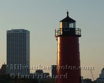 Photograph of Lighthouse Downtown from www.MilwaukeePhotos.com (C) Ian Pritchard