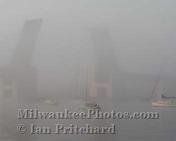 Photograph of Sailboats in the Mist from www.MilwaukeePhotos.com (C) Ian Pritchard